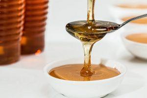 med, prirodan, vrste meda, blagodeti meda, bagremov, lipov, šumski, kestenov, od žalfije, livadski, polen, matični mleč, propolis