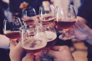 društvo, pijenje alkohola, alkohol